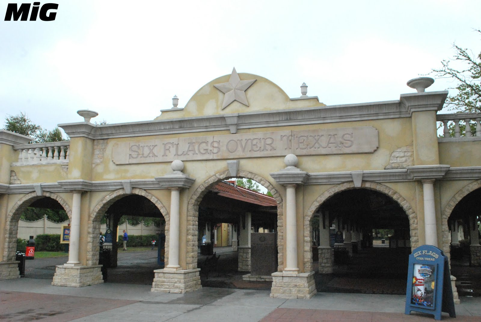 MidwestInfoGuide: Six Flags over Texas