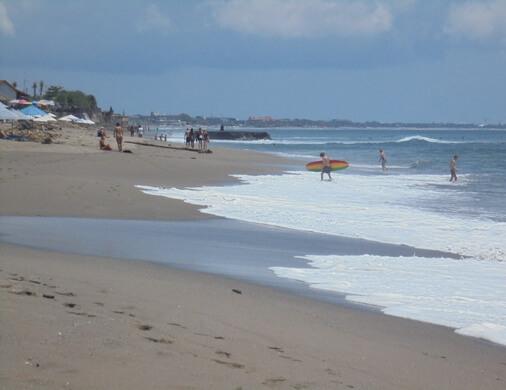 Batu Mejan Beach, Pura Batu Mejan Canggu