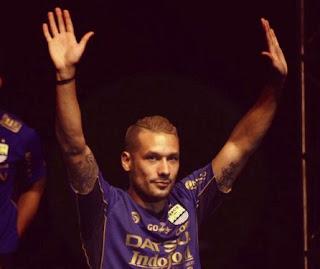 Raphael Maitimo Lega Gabung Persib Bandung