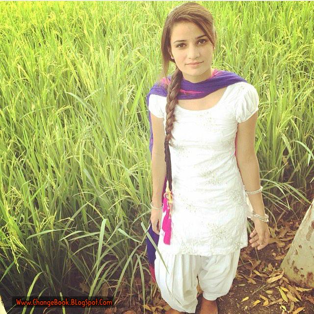 Online World Look Amazing: Punjabi Girls In Salwar Suit