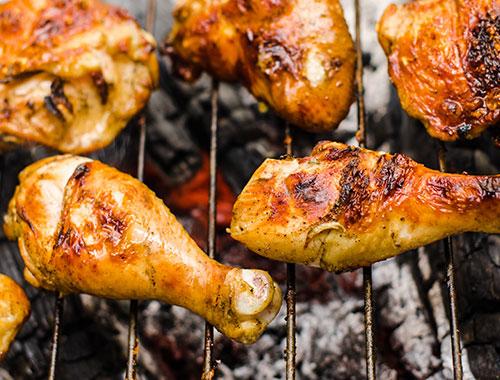 افخاذ دجاج مشوية بصلصة الباربكيو