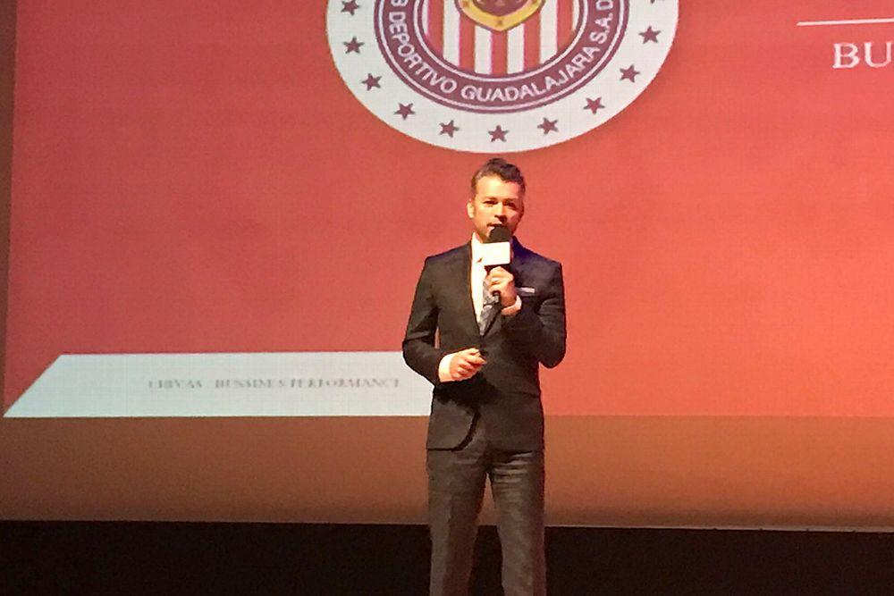 Higuera participa en un congreso de innovación deportiva que se lleva a cabo en la Ciudad de México.