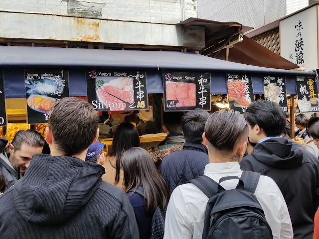 Elisa N, Blog de Viajes, Lifestyle, Travel, Japan, Japon, Visit Japan, Viaje Japón, Tokio, Tokyo, Mercado del Pescado, Tsukiji Market, Mercado Tsukiji,  Atun, Lonja de atun, Ginza, Restaurants, Templo, Namiyoke Inari, Gastronomía Japonesa, Narda Lepes, Utensilios, Cuchillos, Wasabi, Japanese Food, bambu, umeboshi, katsuboshi