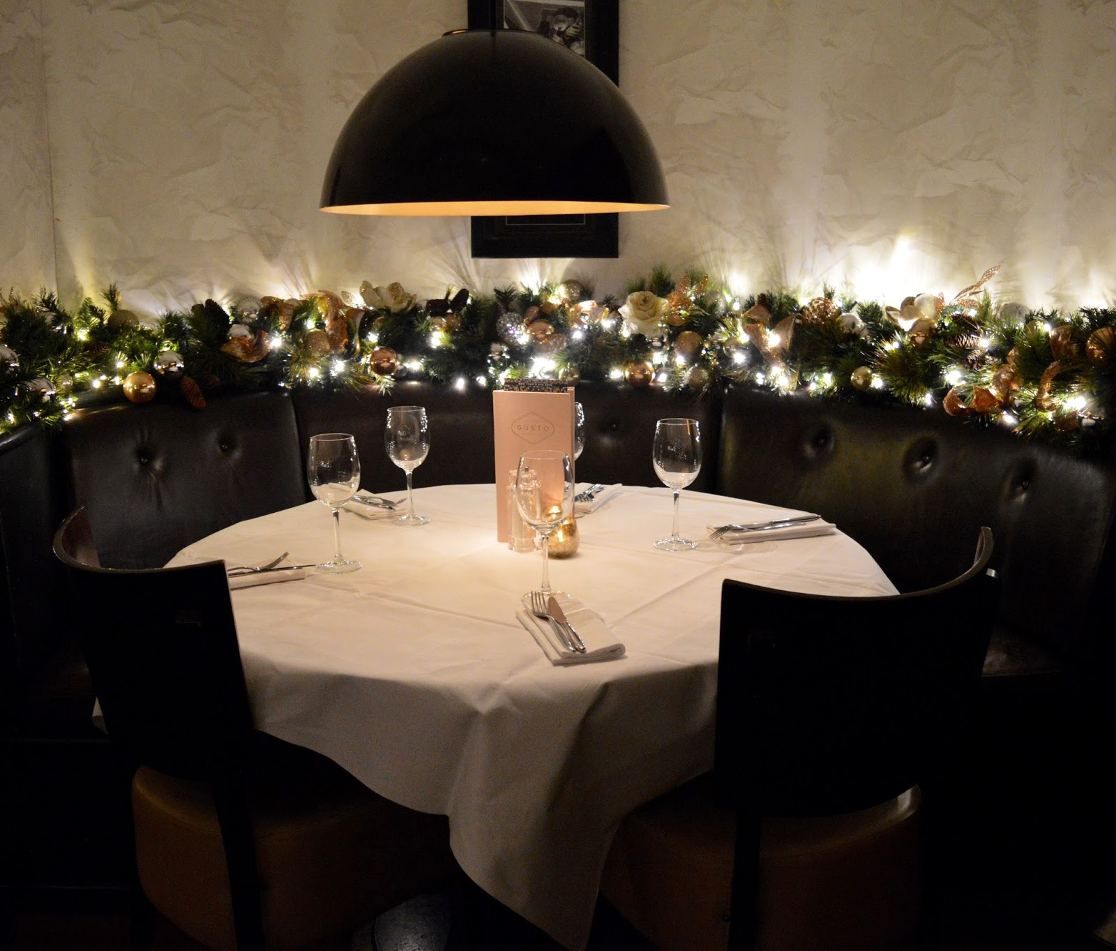 Celebrate Christmas at Newcastle Gusto  - booth seating
