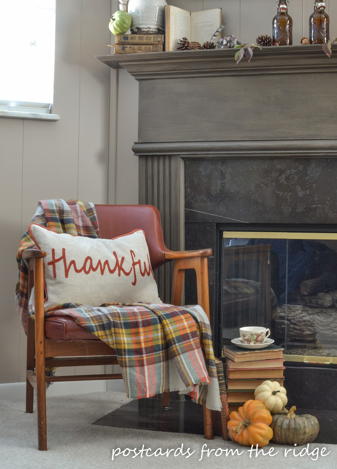 Lots of great tips for using vintage and farmhouse style decor for fall.