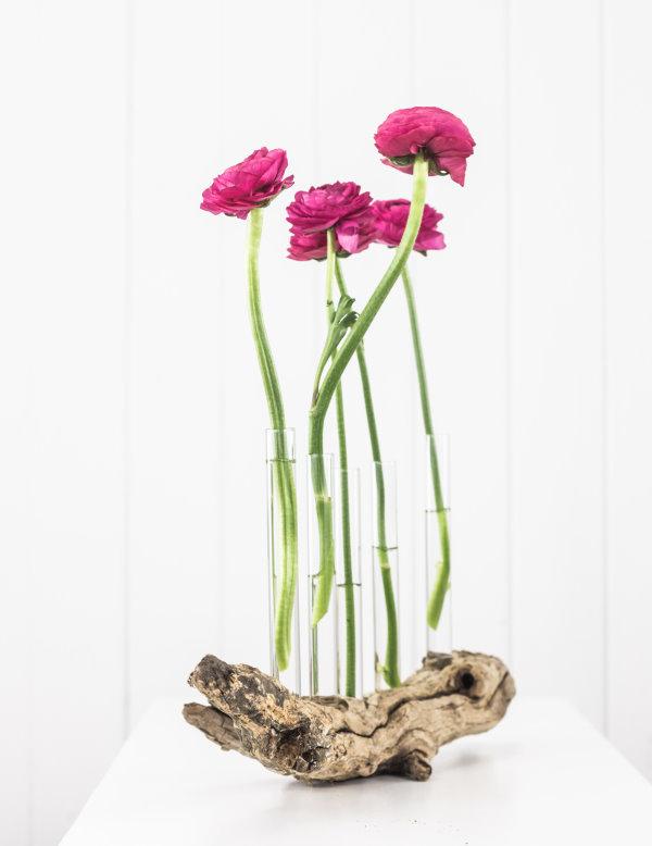 DIY Treibholz-Vase als Frühlingsdeko. titatoni.de