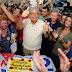 No meio do povo, Amazonino festeja os 30 anos do bairro Armando Mendes