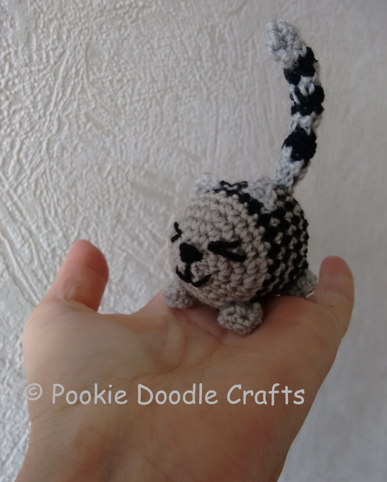 Tiny kitty cat amigurumi pattern - Amigurumi Today | 1600x1284