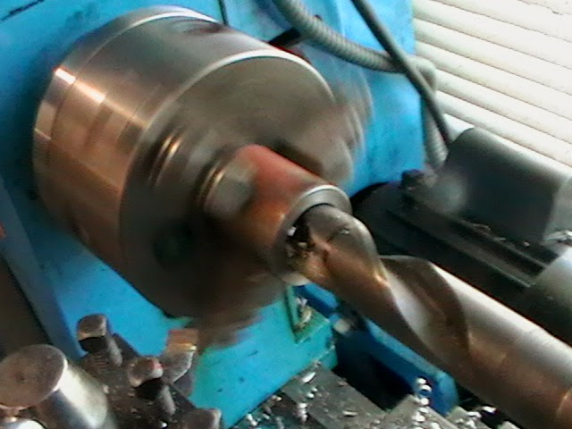 drilling collet thread receiver with large drill