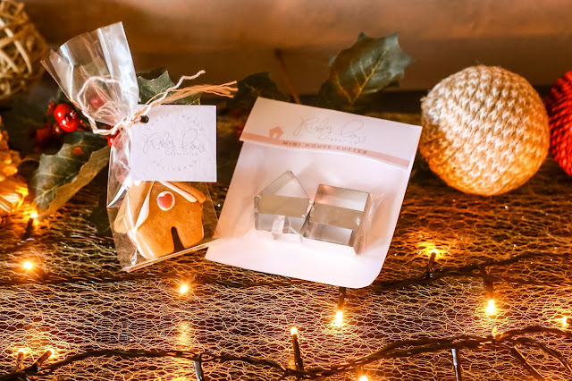 Gingerbread house cookie cutters. Christmas Gift Guide 2017 - Mandy Charlton's biggest ever Christmas gift guide. The only gift guide you'll need to find presents and gift ideas for the people you love this holiday season