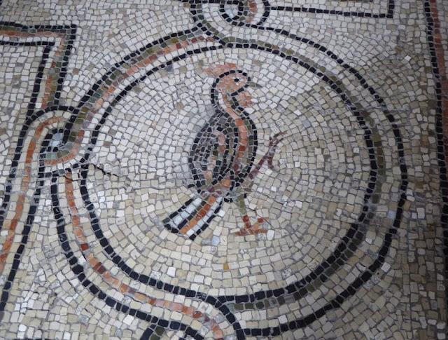 particolare del pavimento della basilica di san vitale