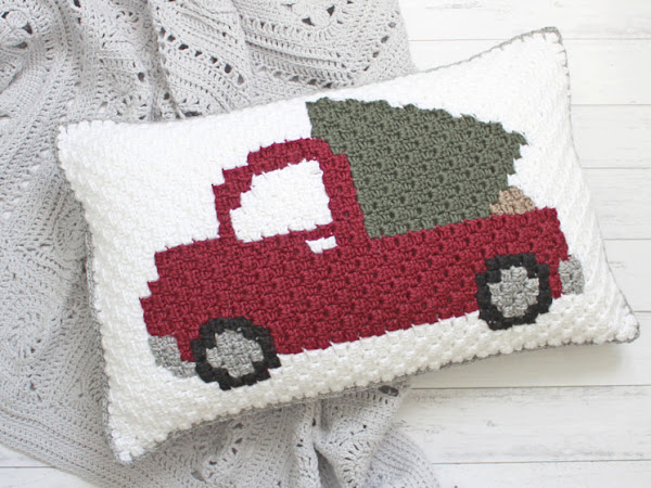 "C2C Pick Up Truck Pillow <img src=""https://pic.sopili.net/pub/emoji/twitter/2/72x72/1f384.png"" width=20 height=20>"