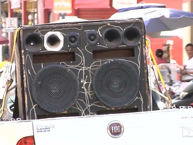 Órgãos iniciam fiscalização contra abuso de som alto nas ruas em Codó