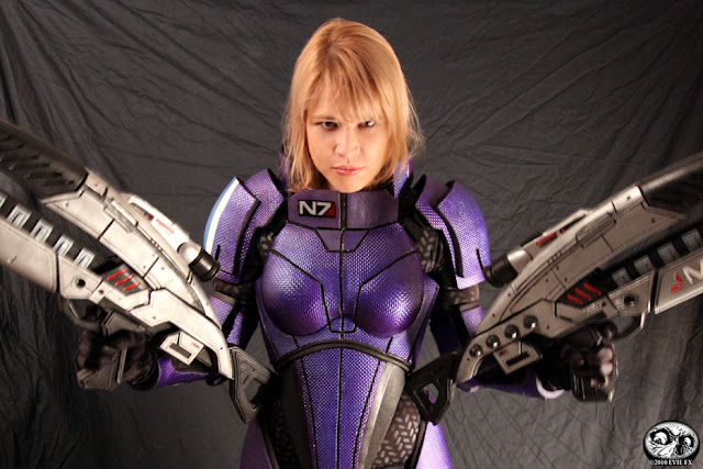 fem shep cosplay mass effect