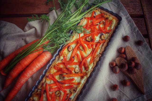 torta salata carote e brie con nocciole