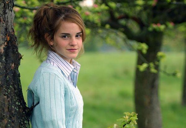 Emma Watson Artis Muda Hollywood Tercantik dan Terpopuler Saat ini