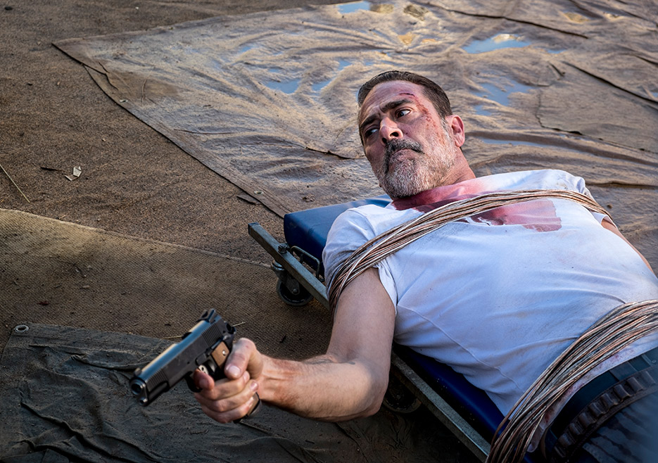 Negan en el episodio 8x14 Still Gotta Mean Something de The Walking Dead