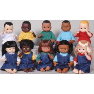 Resultat d'imatges de muñecos multicultural