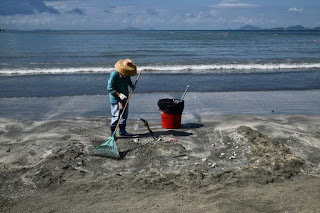 Two more Hong Kong beaches closed after palm oil spill