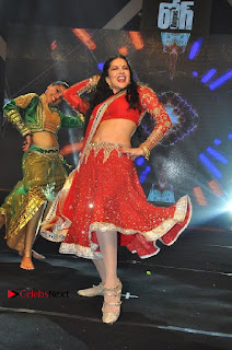 Bollywood Actress Model Sunny Leone Dance Performance in Red Half Saree at Rogue Audio Launch 13 March 2017  0090.jpg