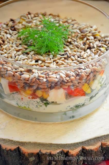 Uwielbiam Gotowac Salatka Warstwowa Z Brokulem I Slonecznikiem