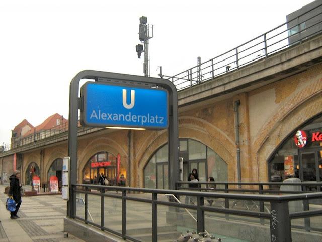 U-Bahn e S-Bahnhof Alexanderplatz