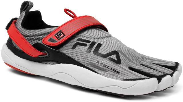 8f2ae2487db8 I m crossing my fingers that Isports Life Inc (aka Fila Philippines) also  brought the other colorways and in my humble opinion are waaay better than  the ...