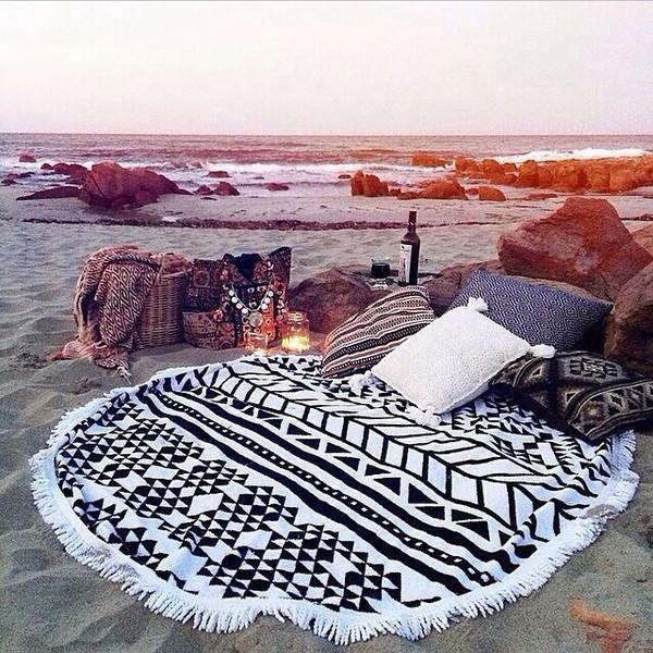 telo mare rotondo telo mare rotondo estate 2017 roundie beach  come indossare il telo mare rotondo spiaggia di sera aperitivo