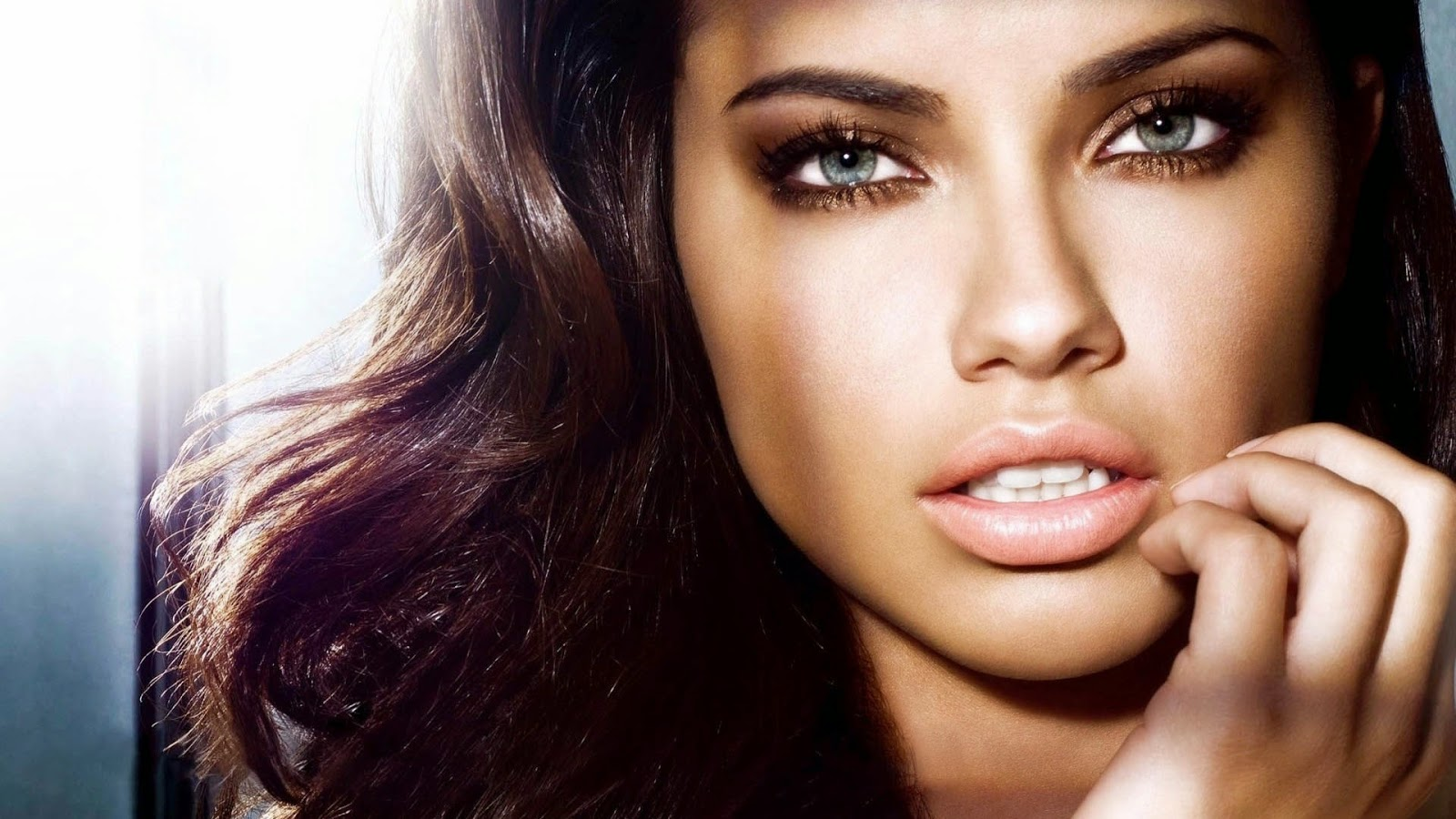 Astrology blog: 12 most sexy eyes of zodiac signs