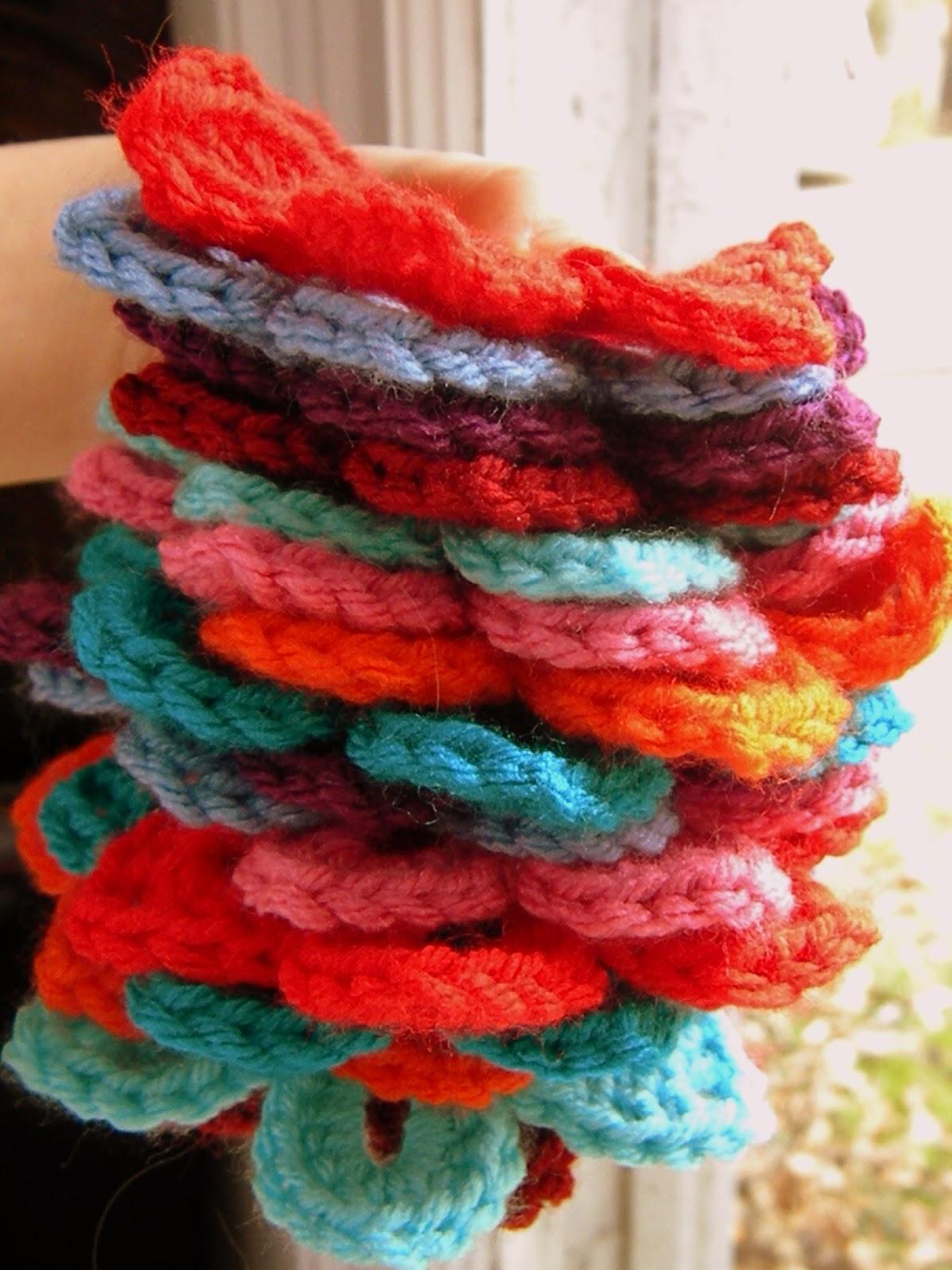 A Hermit's Wish: Crochet Spring Flower Garland Pattern