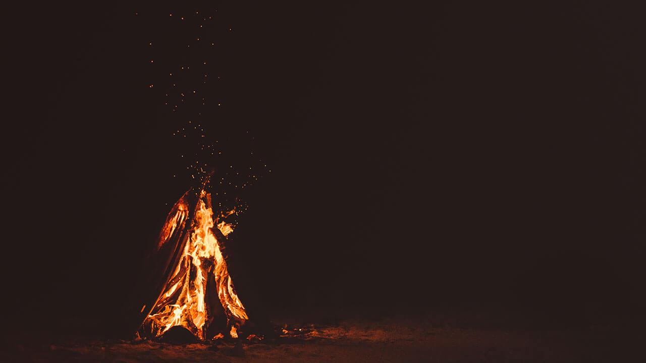 ही रात्र पेटलेली - मराठी कविता | He Ratra Petleli - Marathi Kavita