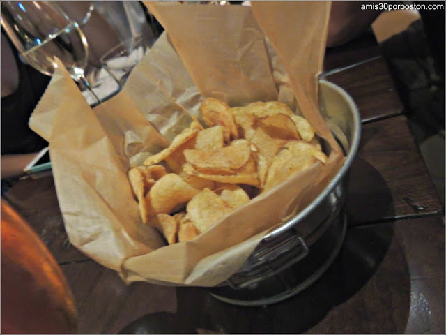 The Hourly Oyster House: Patatas Fritas con Vinagre