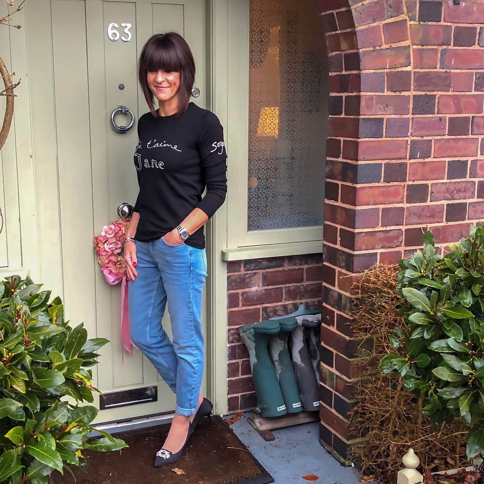my midlife fashion, the white company brompton boyfriend jeans, kurt geiger pia court shoes, bella freud je taime jane merino wool sweater