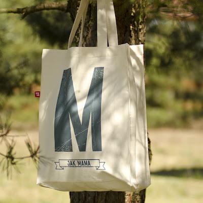 torba z litera w prezencie dla kolezanki