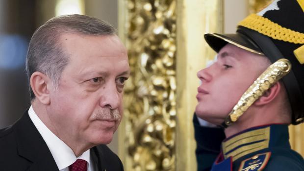 """O presidente turco, Recep Tayyip Erdogan, acusou a Holanda de ser """"fascista"""" e """"nazista"""", ofensas que Amsterdã exigiu que sejam retiradas"""