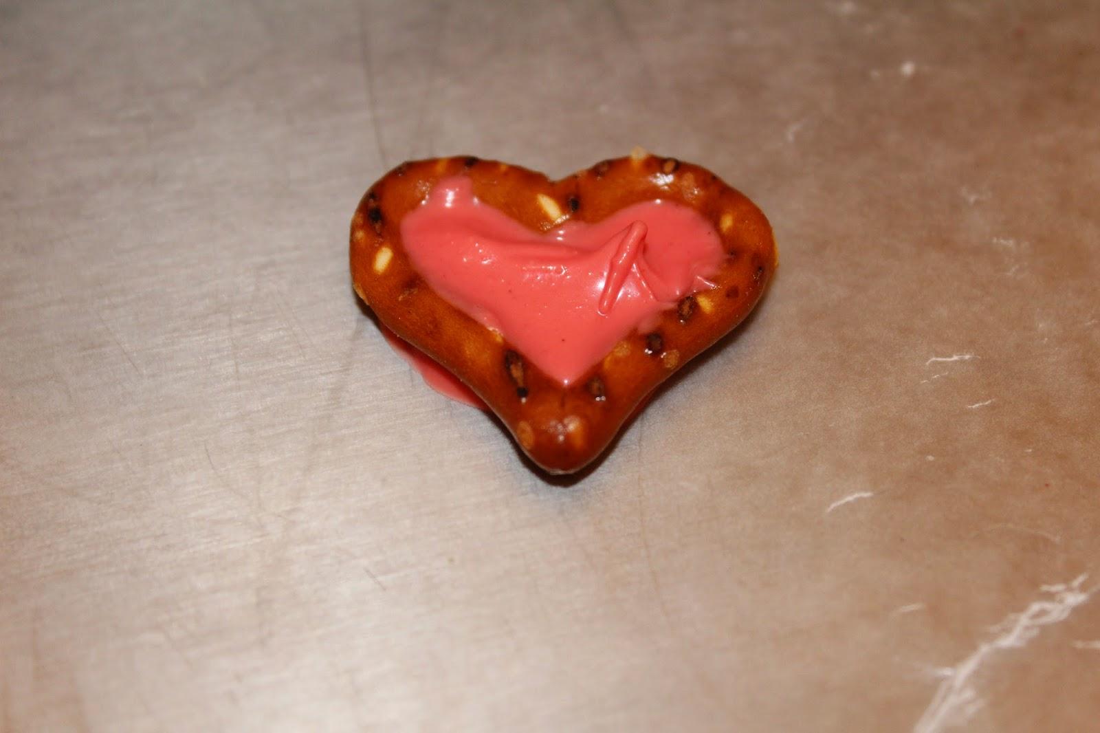Valentine Pretzel