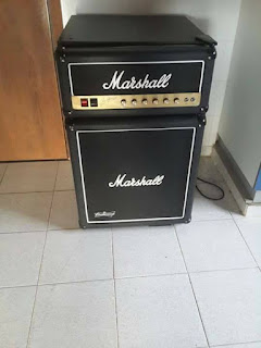 Mini bar con forma de amplificador Marshall