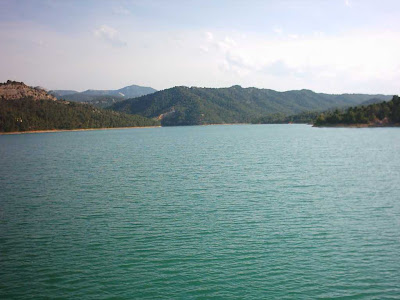 Pantano ,embalse, Pena ,Beceite ,frontera ,Valderrobres, agua tranquila