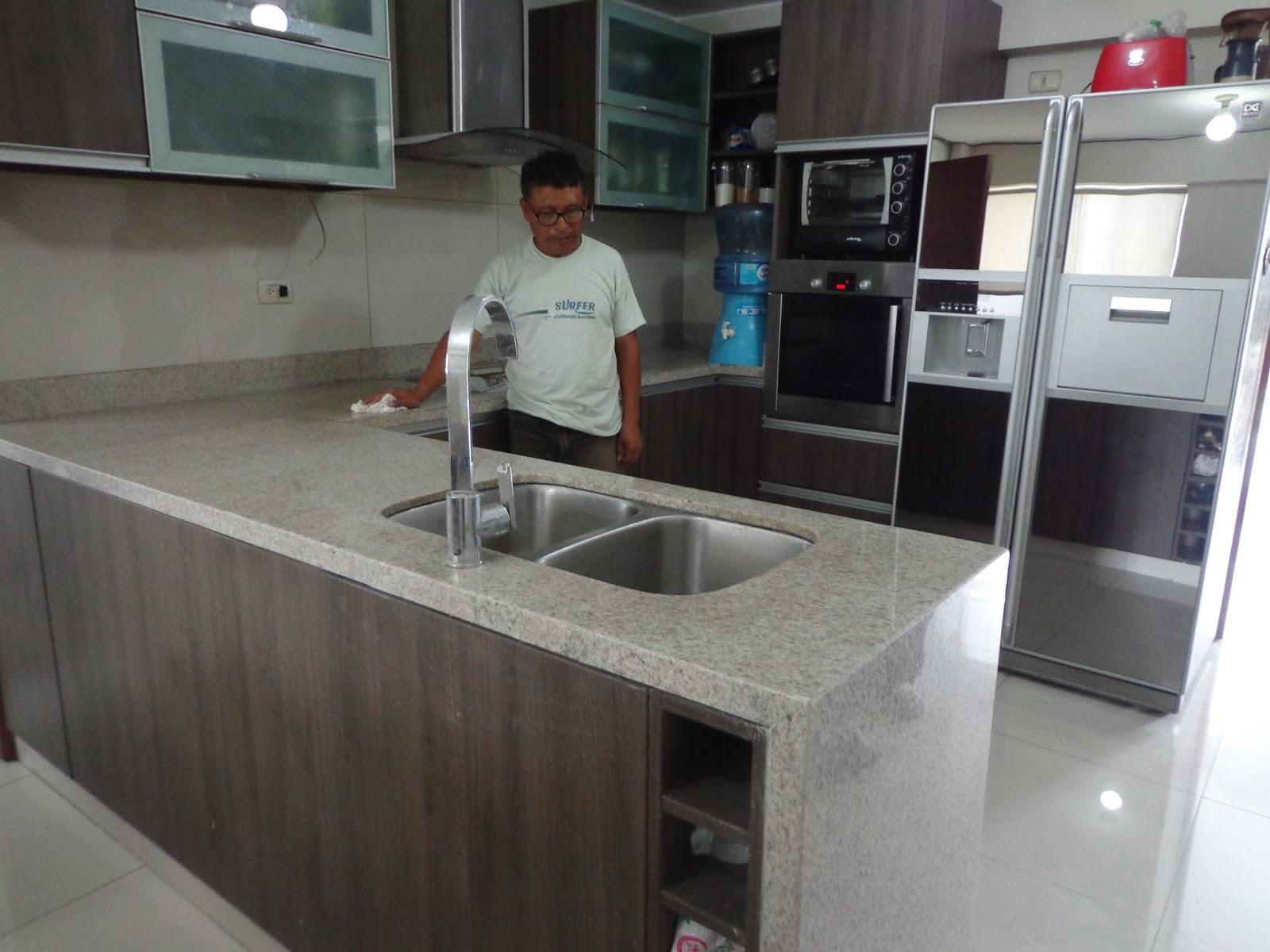 Islas cocina granito mantenimiento limpieza for Islas de cocina y camareras