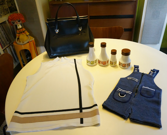 un top de modette 60s 1960 sleeveless dungaree 70s baby  1970 mobil huile vinaigre granny bag