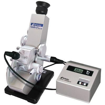 Refractometrul, instrumentul de măsură de care ai nevoie pentru a măsura lichide