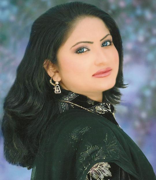 Khushboo Pakistani mujra dancer