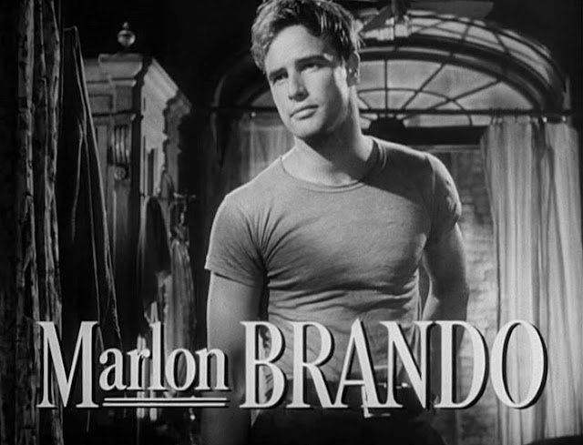 Marlon Brando, pemeran Stanley Kowalsky dalam pentas teater A Street Named Desire