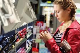Tips Aman dan Ekonomis Membeli Kosmetik