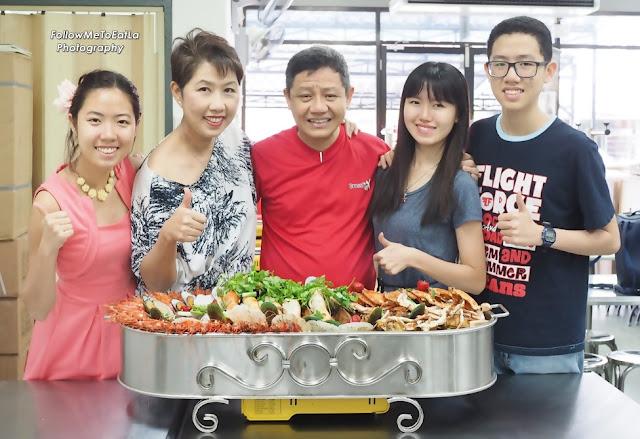 FATT KEE ROAST FISH 發記招牌特色烤鱼 Jumbo Seafood Platter In A Tray