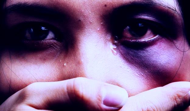 تقرير : حوالي نصف حالات العنف المرتكبة ضد النساء ذات طبيعة نفسية