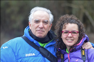 Fotografos : Cundi y Sara Vega bajo la lluvia en Villabalter