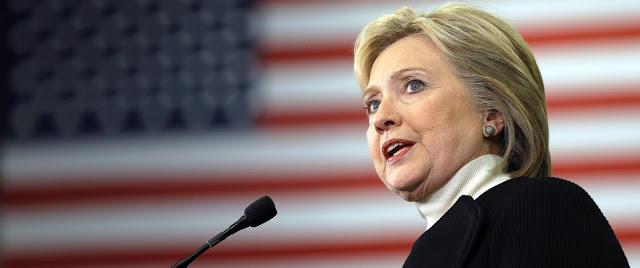Hillary Clinton é muito gananciosa e profundamente corrupta, mas não precisamos olhar somente para o dia de hoje, vamos olhar para sua vasta riqueza adquirida apenas quando ela era secretária de Estado com a venda da política externa americana para a Irmandade Muçulmana, os sauditas, o Catar, e várias outras ditaduras ao redor do mundo