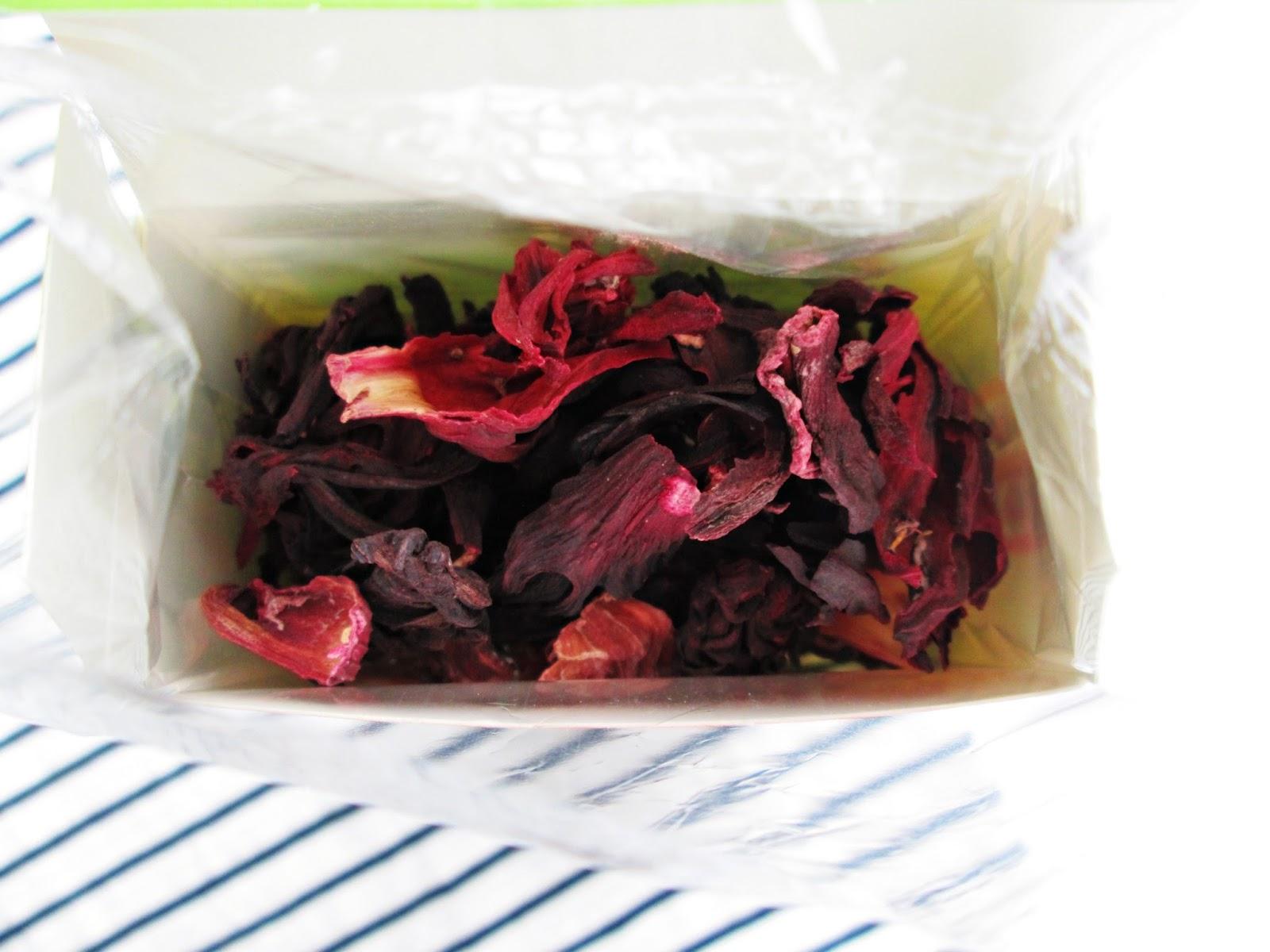 Płukanka z hibiskusa rude włosy