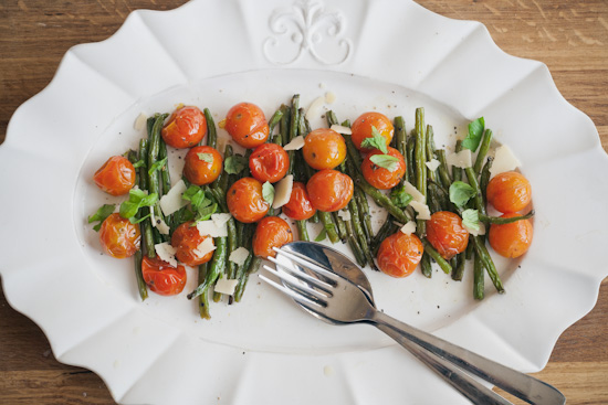 roasted green beans and cherry tomatoes